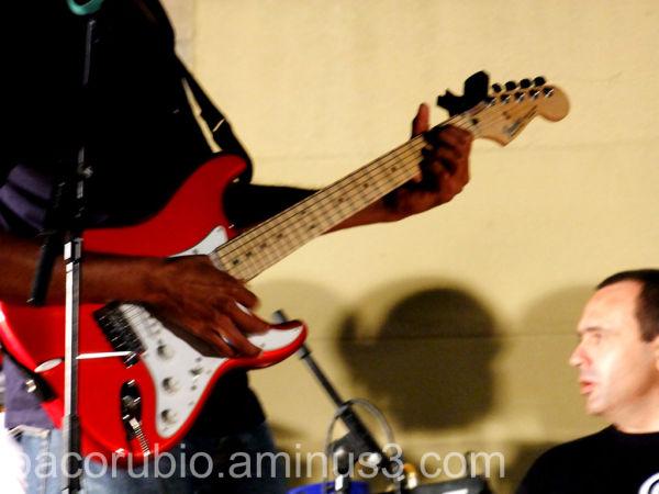 Sólo es rock and roll