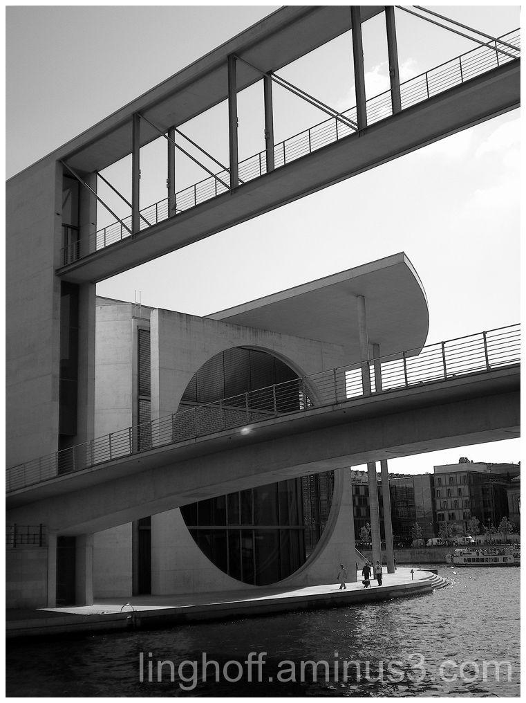 imminent bro bridge berlin design överhängande
