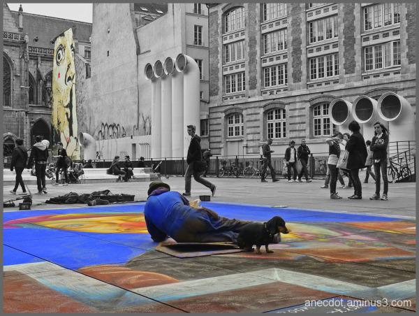 Place Stravinski ... ne dérangez pas l'artiste.