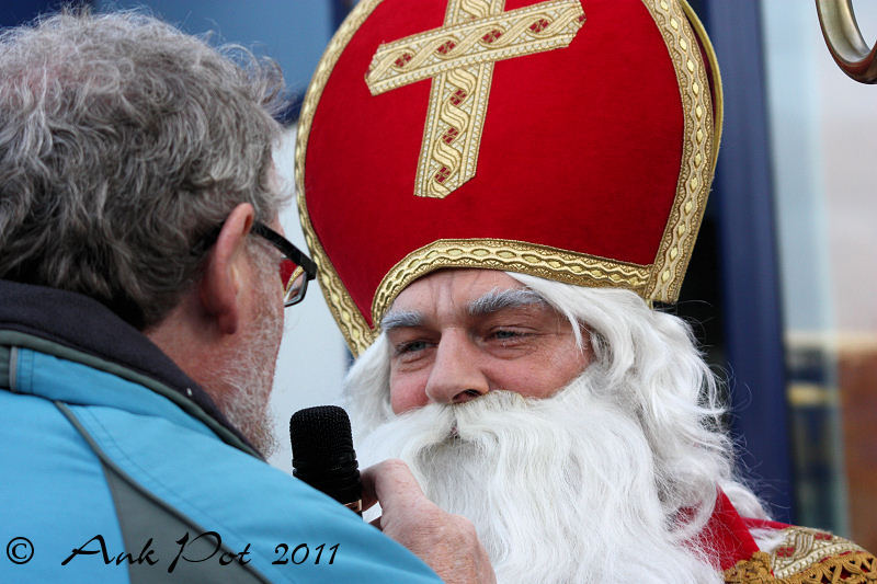 Sinterklaas being interviewed