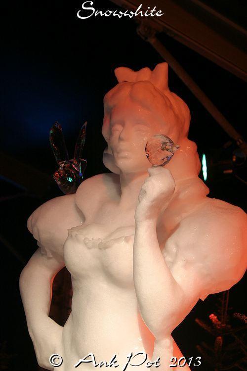 ice-statue of Snowwhite