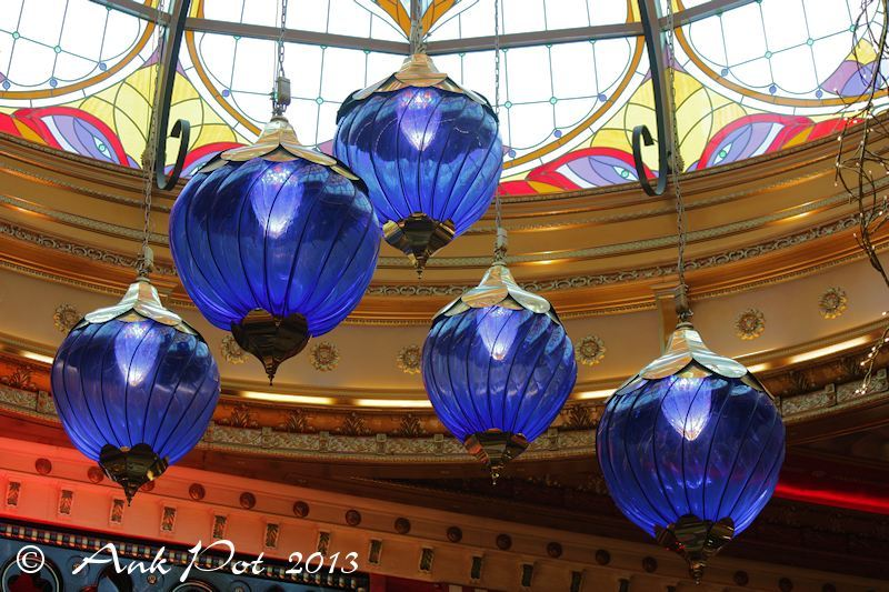 lamps in shoppingcentre