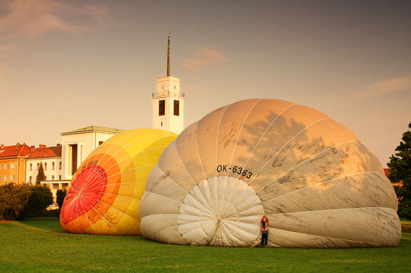 hot air balloon inflation city brno