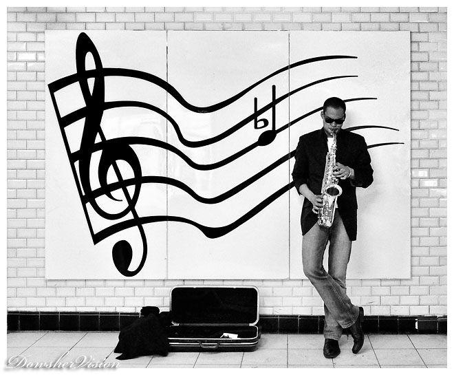 Le Saxophoniste (Couloir du Métro)