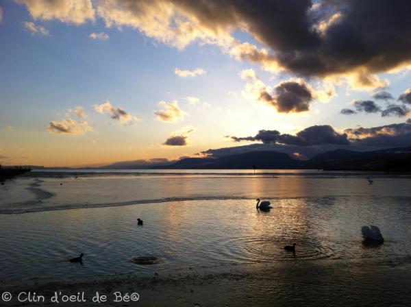 Baie de la Tène au soleil couchant