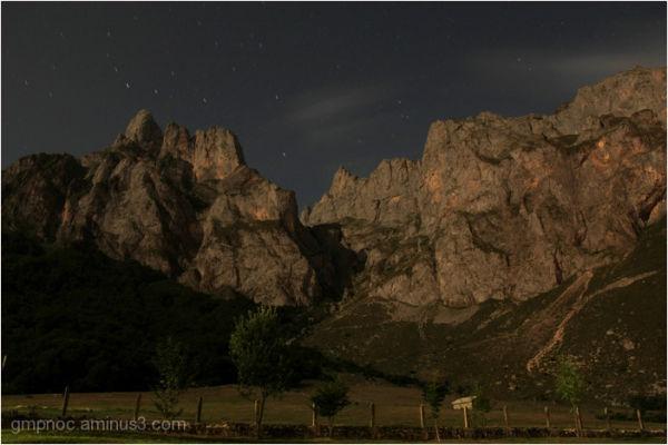 Sleeping mountains (Picos de Europa - Spain) - P