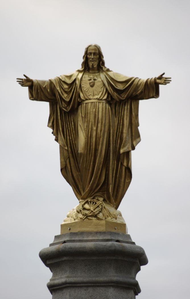 Religious icon looks over Quebec City
