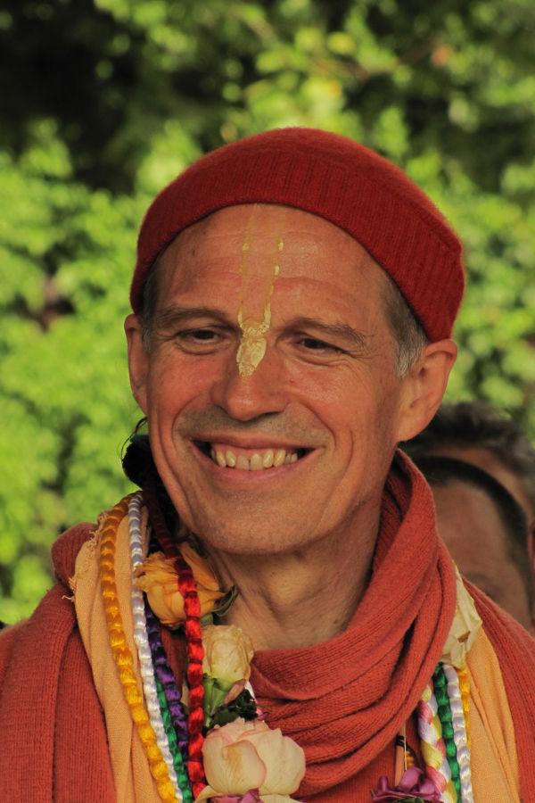 HH Sacinandana Swami