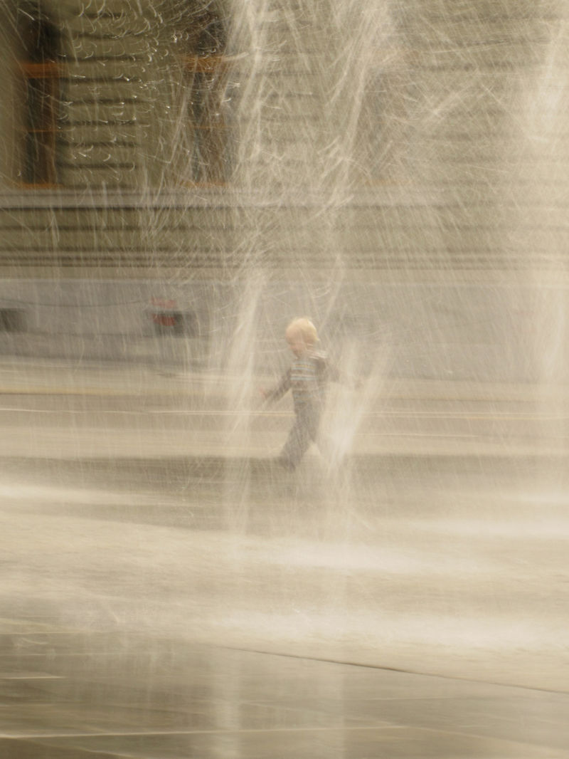 running in waterfountain