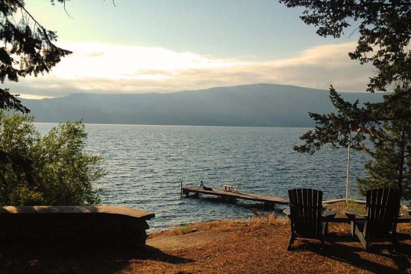 yoga on Lake Okanagan
