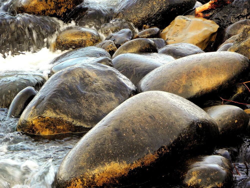 Pierres de rivière