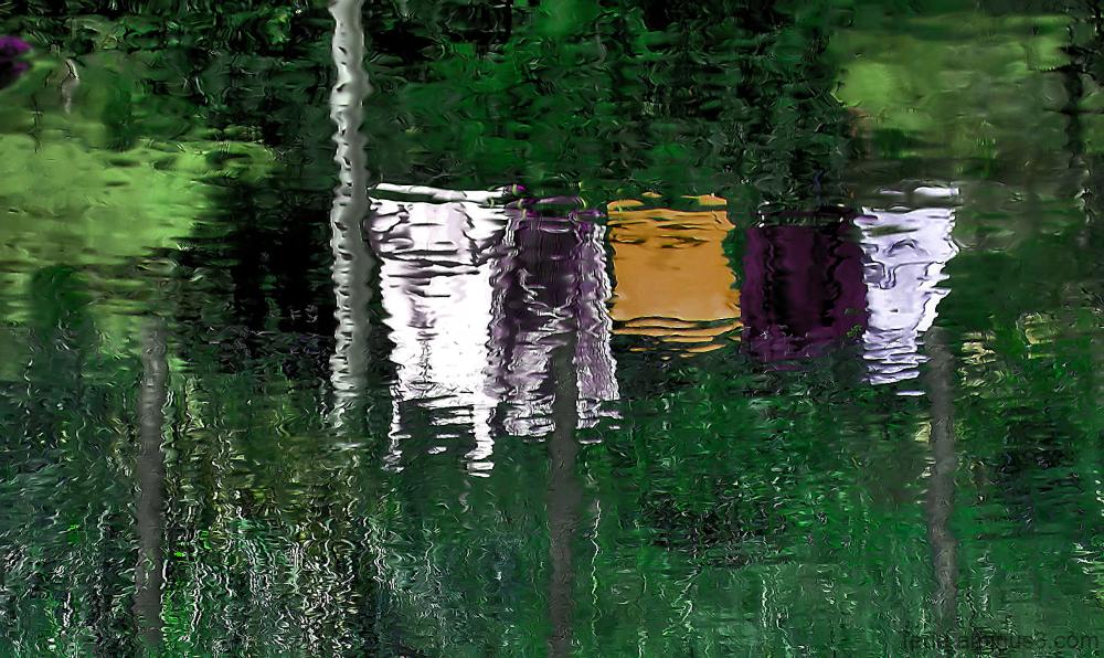 Reflets dans une rivière