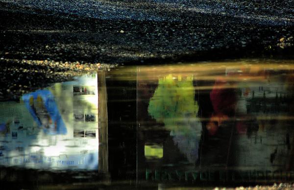 Reflets dans une flaque