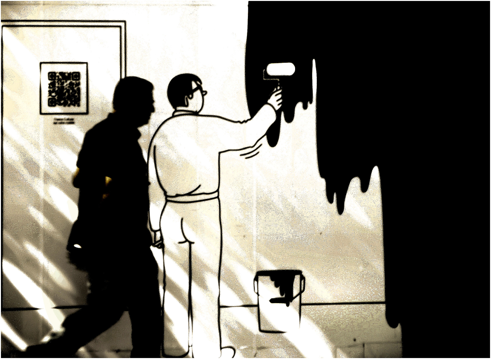 Passant et dessin mural