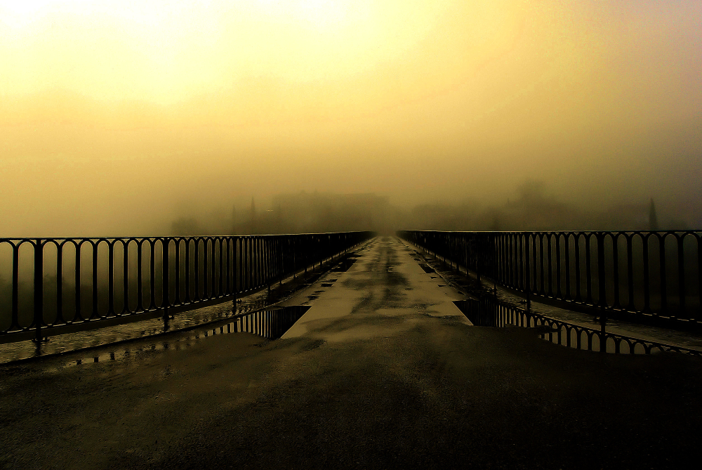 Brume sur le pont