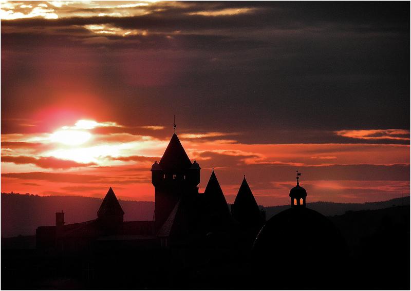 Aurore sur le château