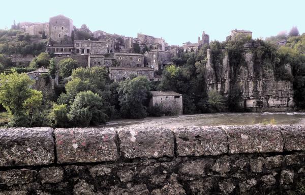 Village  de  pierres...
