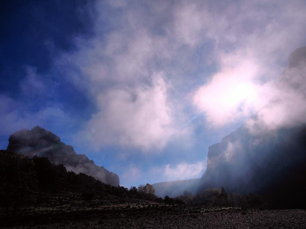 Brume dans les Gorgrs de l'Ardèche