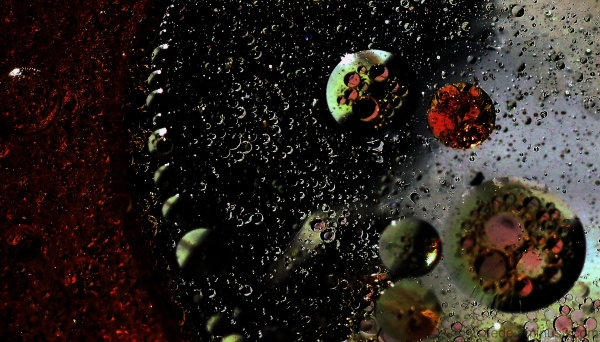 Création avec de l'eau, de l'huile et du sirop