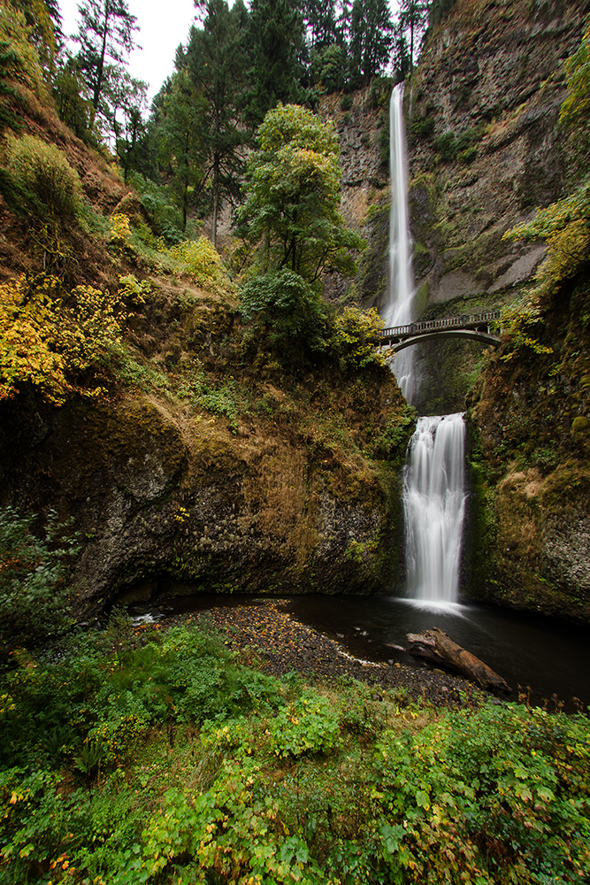 Superwide view of Multnomah Falls Oregon