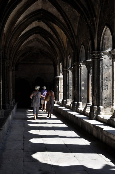 figures between sun & shade cloister Arles France