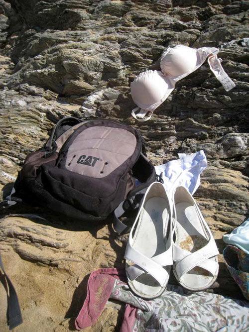 sur la plage les vêtements