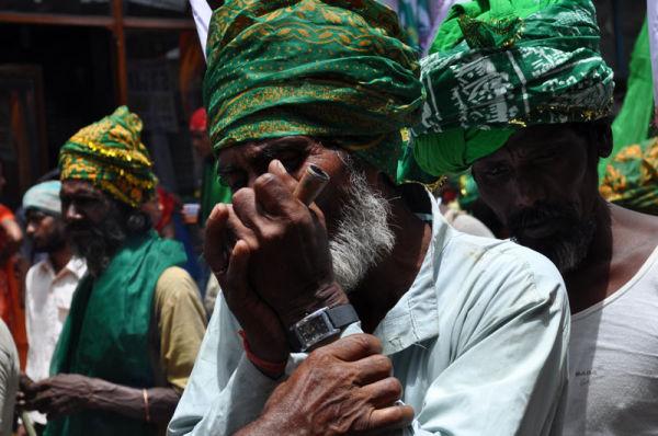fakir partant en pélerinage à Ajmer Inde