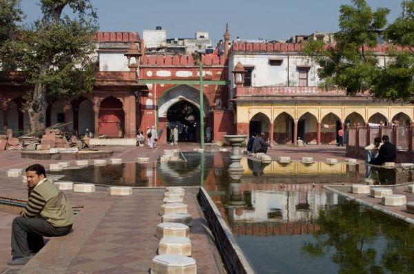 Fatepur mosque Old Delhi