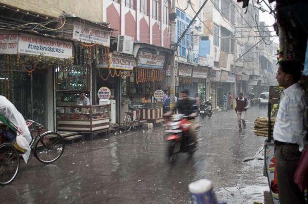 pluie sur Dariba Kalan