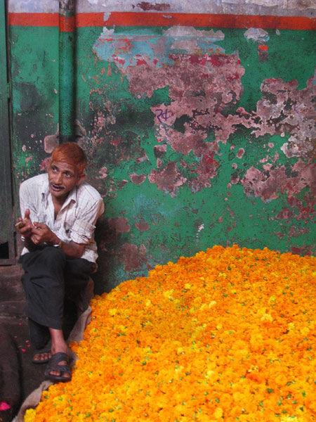 flowers' seller Old Delhi