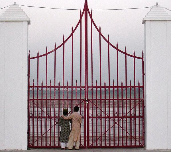 India children  doors gange