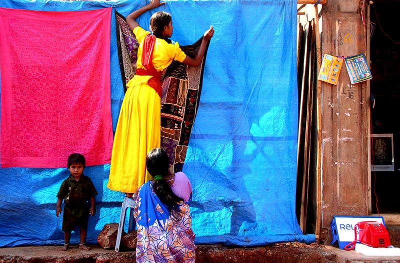 India  gokarna femmes enfant commerce de rues cou