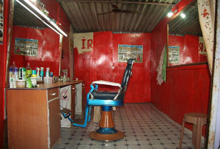 Inde  salon de coiffure  solitude nuit