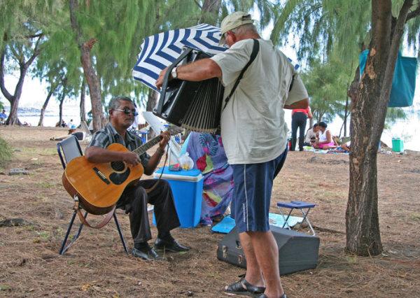 Reunion week end music beach