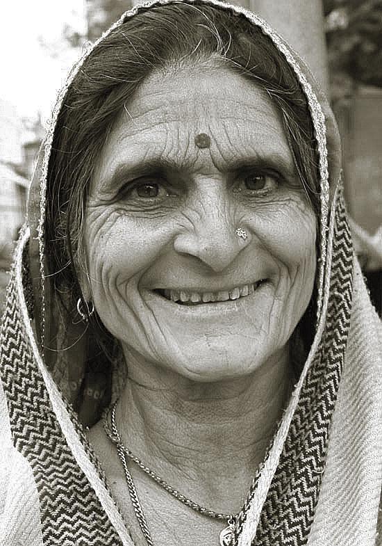 sourire au temps  qui passe /woman 2