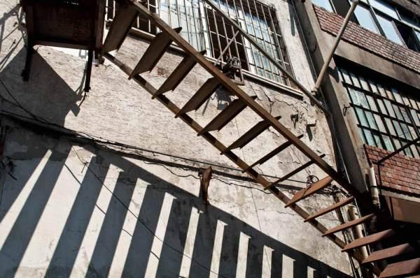 Escalier de secours  /  Escape stairs