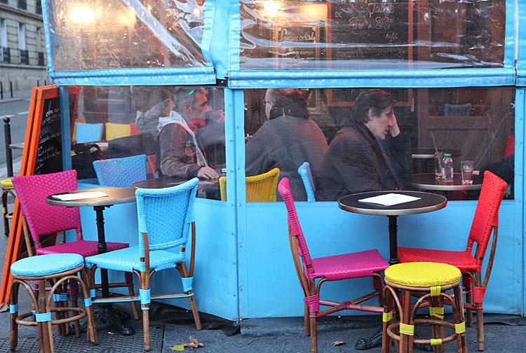 les chaises / café in Paris