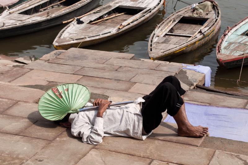 Les dormants des ghats / Sleeping on the ghats