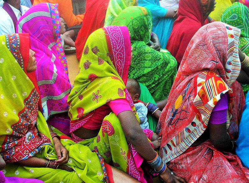 Femmes hautes en couleurs  /  Women of colours