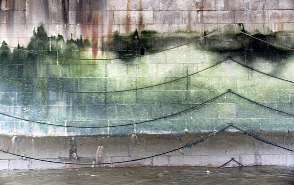 somepostcards from london/waves on the thames