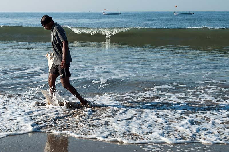 L'homme et la vague /  Man and wave
