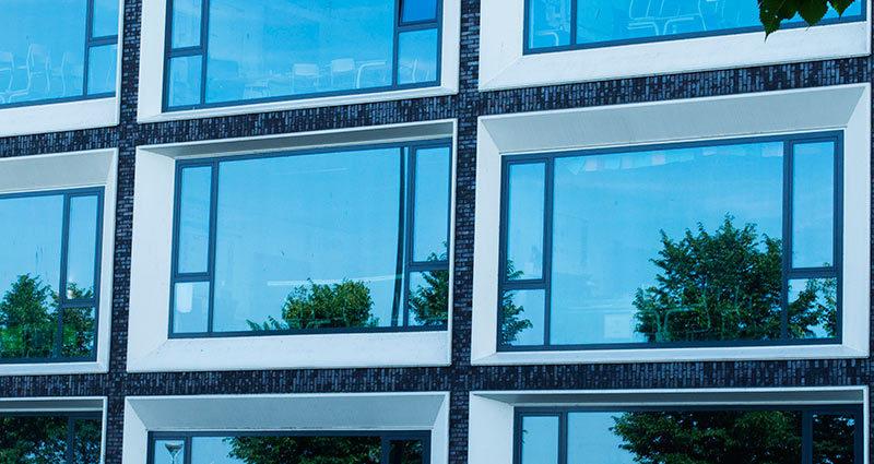 Les fenêtres d'Amsterdam /The windows of Amsterdam