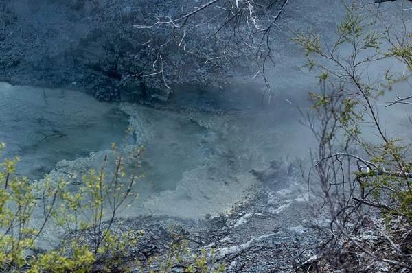 Quand la terre fume / When the earth smokes