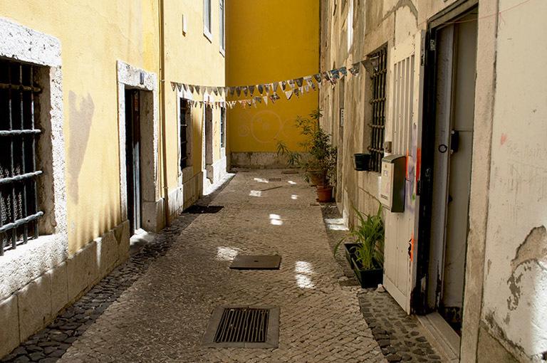 Les rues, carrés de lumière /