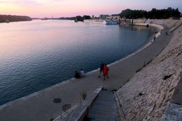 Un soir au bord du Rhône 2