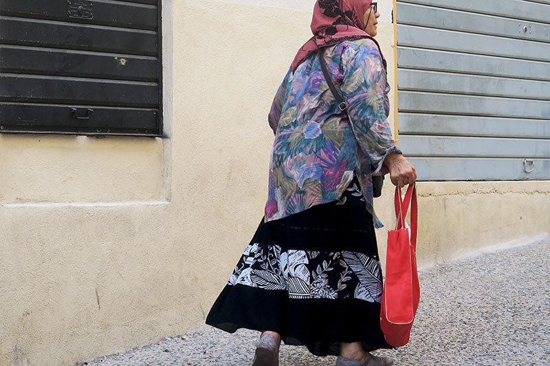Retour de marché / Walking back from the market 2