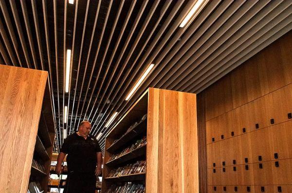 Voyage dans une bibliothèque 2