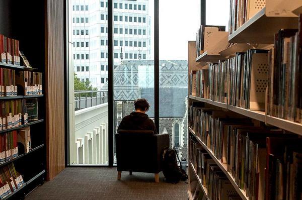 Voyage dans une bibliothèque 4