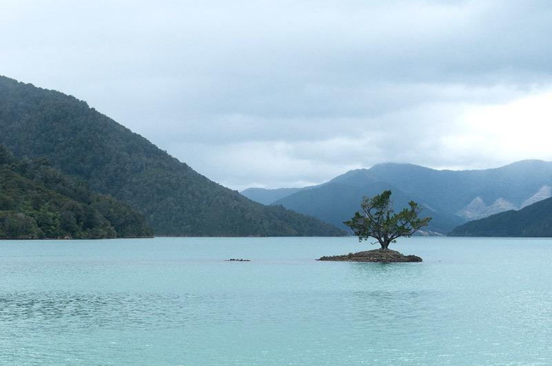 Un jour une île / One day an island