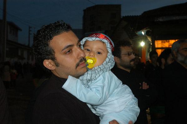 عشقت كودك ات است يا حسين؟